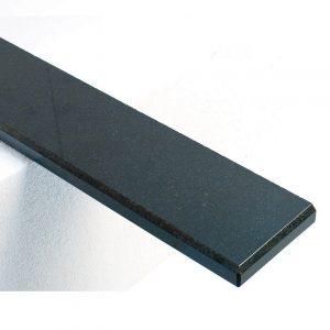 granit-noir-détail-réd